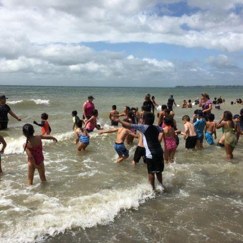 Kelston-Primary-Cornwallis-Beach-Trip-2018 (25).jpg